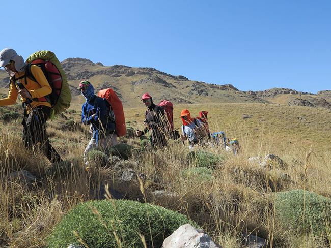 قله آزادکوه - 13970601 -  2