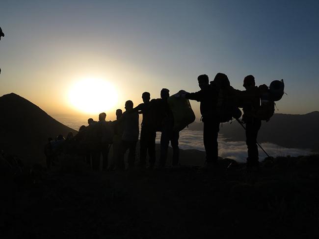 قله آزادکوه - 13970601 -  7